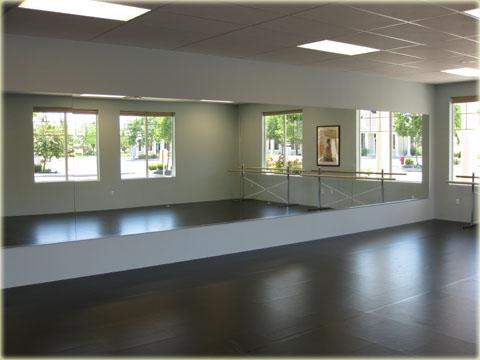 TVBA   East Studio 1. East Studio   Mirrors And Ballet Barres
